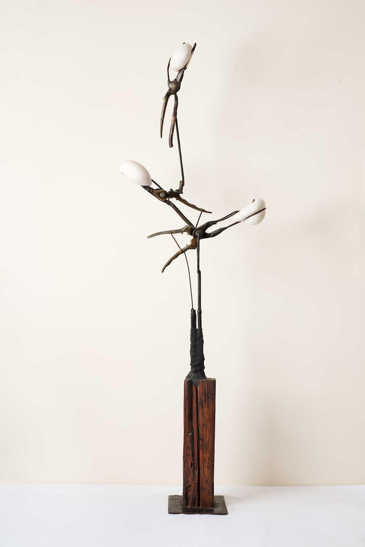 Άτιτλο, 2008, ξύλο, μέταλλο, γύψος, ύψος 120 εκ.